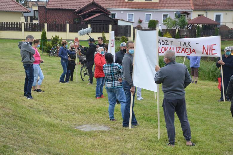 Protest przeciwko budowie masztu w Płotach