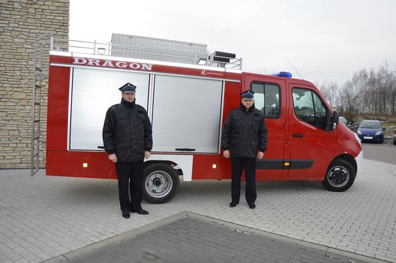 Druhowie z Białego Kościoła mają nowy samochód. Strażacy sami wyposażyli pojazd w sprzęt ratowniczy