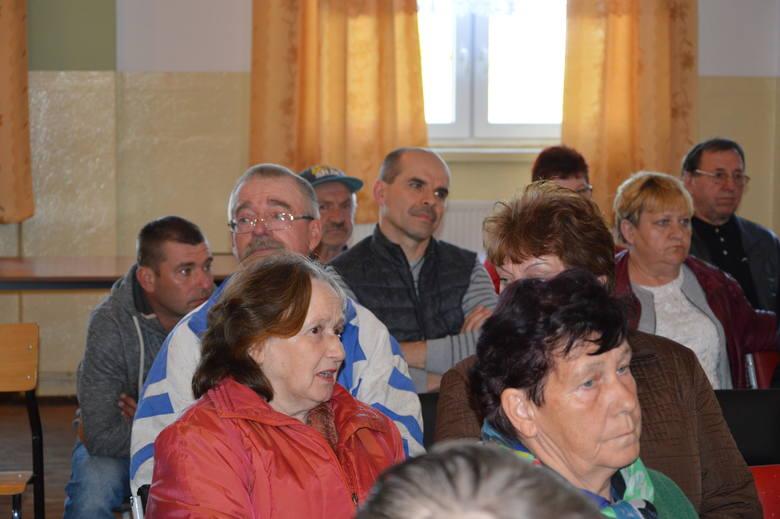 """Na spotkaniu w sprawie biogazowni mieszkańcy Lubiechni Wielkiej byli zdecydowanie na """"nie"""""""