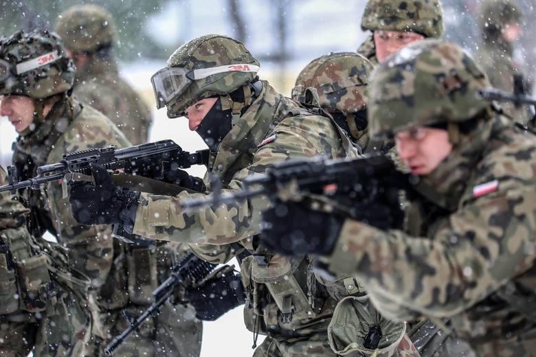 Żołnierze 5. Batalionu Strzelców Podhalańskich w Przemyślu doskonali w ostatnim czasie umiejętności strzeleckie z wykorzystaniem systemu BLOS.Nazwa BLOS