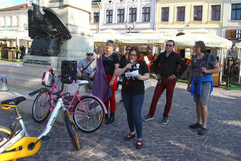 Tadeusz Ferenc zdecydował wczoraj, że nie wyraża zgody na organizację marszu równości w Rzeszowie planowanego na 22 czerwca. Dziś na Rynku odbył się