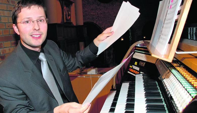 Piotr Rojek, profesor wrocławskiej Akademii Muzycznej, organista, czuwa nad wspaniałym instrumentem w kościele św. Wawrzyńca w Wołowie - jednymi z najcenniejszych