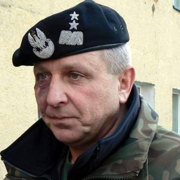 """Przykry koniec dowódcy """"dwunastki""""? Generał Malinowski podejrzany o korupcję"""