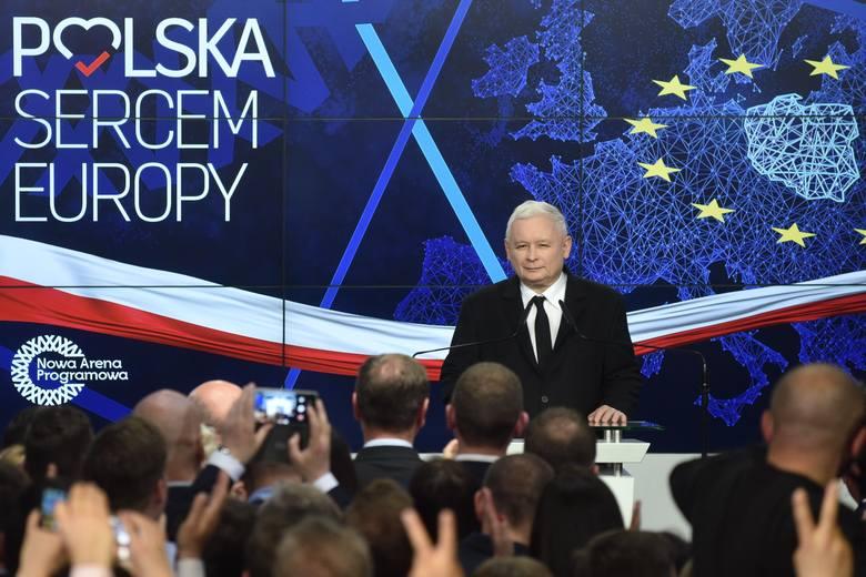 Piątka Kaczyńskiego. Rząd opublikował projekt dotyczący zerowego PIT-u dla młodych
