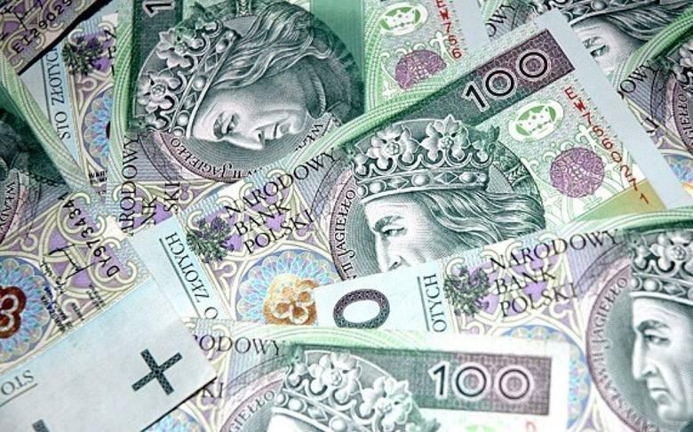 Planowane na przyszły rok dochody budżetu Szydłowca mają wynieść 90 453 907 złotych. Wydatki zaś 93 031 934 złotych. Planowany deficyt budżetowy ma wynieść