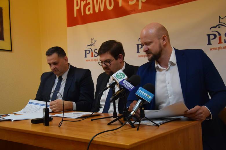 W ciągu niespełna czterech lat Urząd Marszałkowski w Zielonej Górze przeznaczył na nagrody ponad 4,5 mln zł – informują gorzowscy radni PiS.4 mln 561