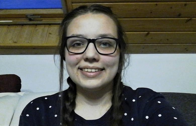 Małgorzata Bliźnik, uczennica, 17 lat:<br /> - Staliśmy się zbyt wygodni, wiadomości przekazywane przez media przyjmujemy bezkrytycznie, nie sprawdzamy ich źródeł czy wiarygodności. I o ile odrobina fikcji nie jest zła, bo przecież w literaturze, filmie czy teatrze, jest ona jak najbardziej OK,...