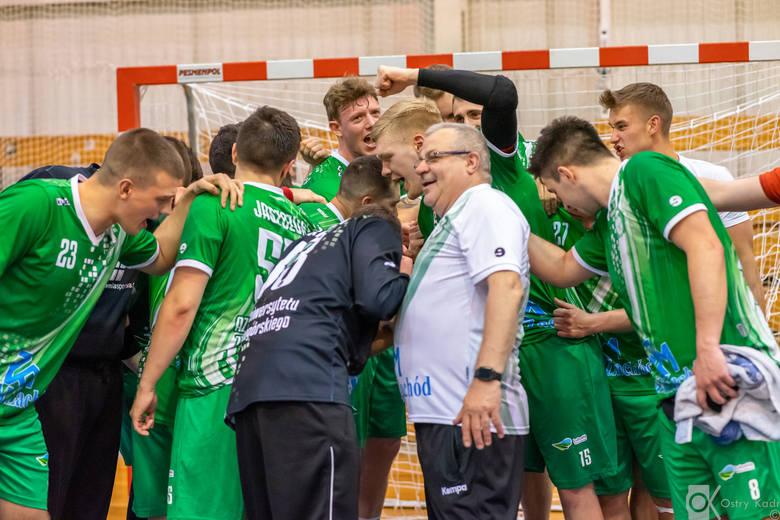 Trzema zwycięstwami z rzędu zakończyli sezon w pierwszej lidze piłkarze ręczni AZS-u Zielona Góra. Zespół, który w minionych rozgrywkach rywalizował