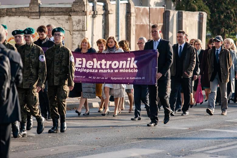 Wczoraj (20 października) Technikum Elektroniczne w Bydgoszczy świętowało pięćdziesięciolecie istnienia. Uroczystości rozpoczęły się o godz. 10.00. od