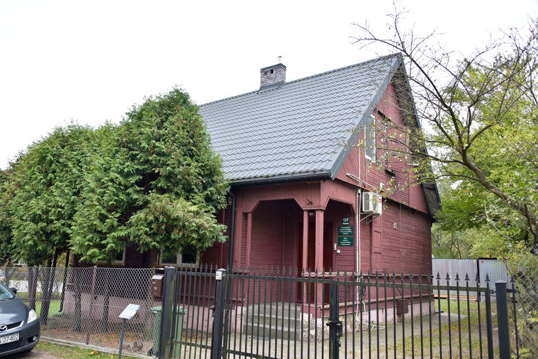 Ten budynek Muzułmański Związek Religijny otrzymał na podstawie umowy użyczenia. Niewykluczone, że otrzyma go na własność, o ile nie znajdą się spadkobiercy.
