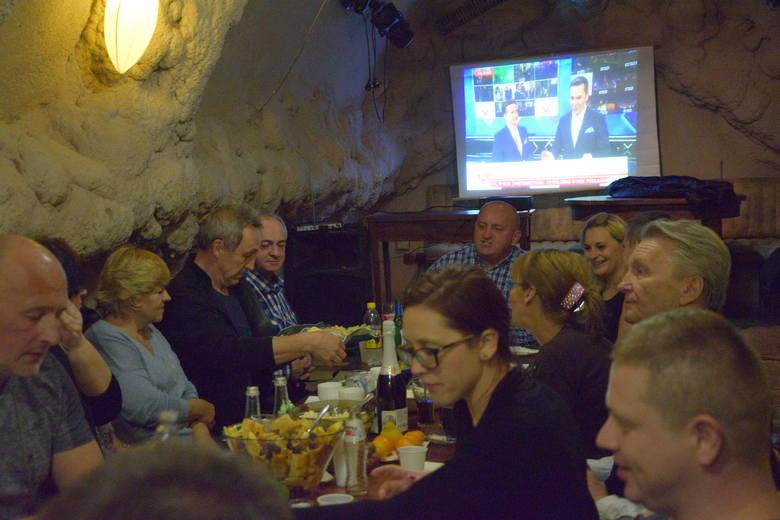 Wyniki wyborów w Lublinie. Biesiada na wieczorze wyborczym Mariana Kowalskiego