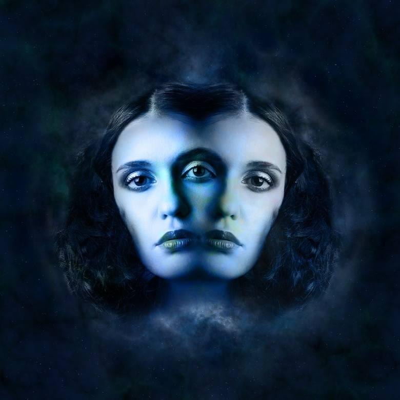 Horoskop miesięczny dla osób spod znaku: BLIŹNIĘTABliźnięta (22.05-21.06.)Bliźnięta powinny wystrzegać się w tym miesiącu spotkań z ludźmi, którzy będą