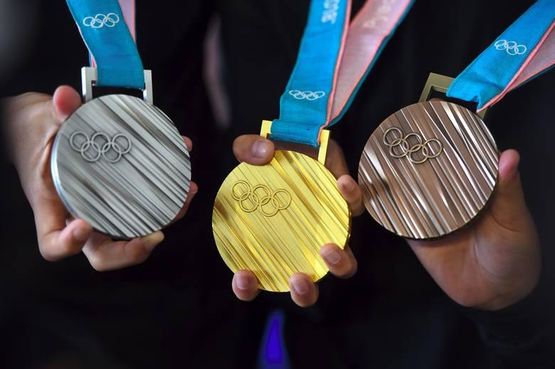Multimedaliści zimowych igrzysk olimpijskich. Zobacz w galerii, kto zdobył więcej niż jeden medal --->