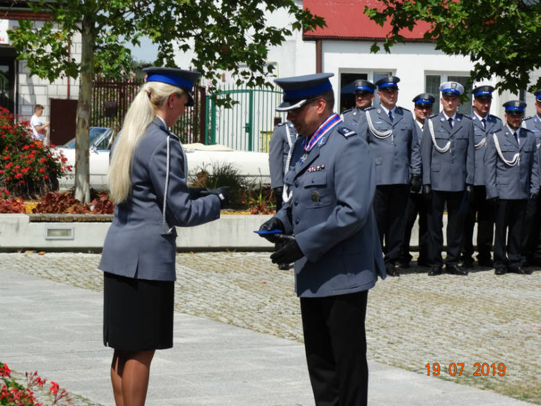 Święto policji w Białobrzegach. Był apel, odznaczenia i awanse