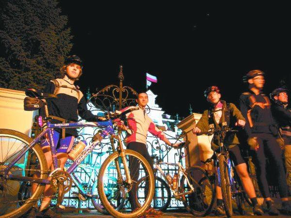 Nocny Rower to niezapomniane przeżycia, których nie da się doświadczyć nigdzie indziej.