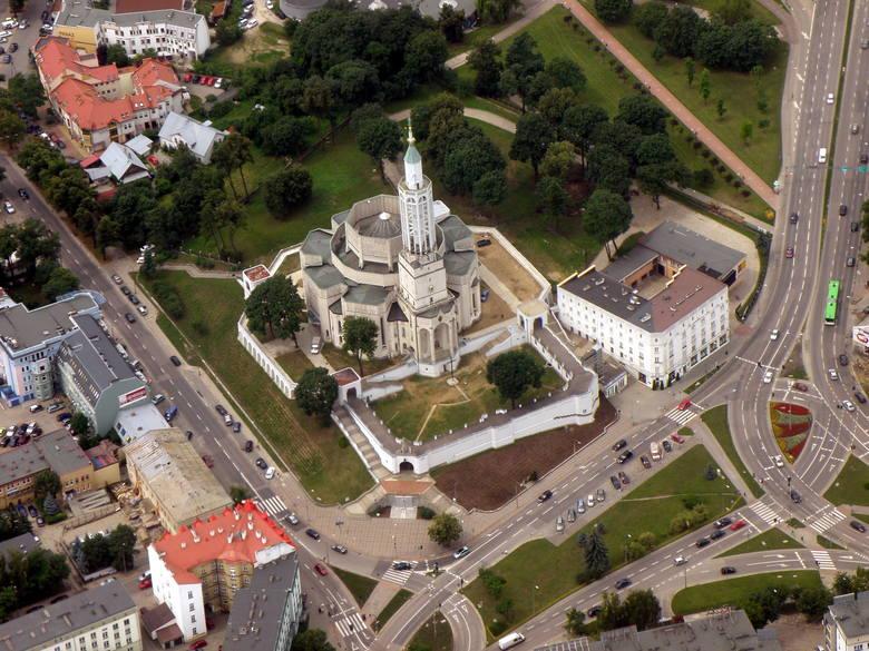 Za to kościół Św. rocha nie zmienił się zbyt wiele. Po 2010 roku odnowiona została jednak elewacja.