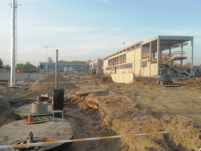 """Cracovia. Budowa ośrodka treningowego """"Pasów"""" w Rącznej mocno postępuje. Tak będzie wyglądał [NOWE ZDJĘCIA, WIZUALIZACJE]"""
