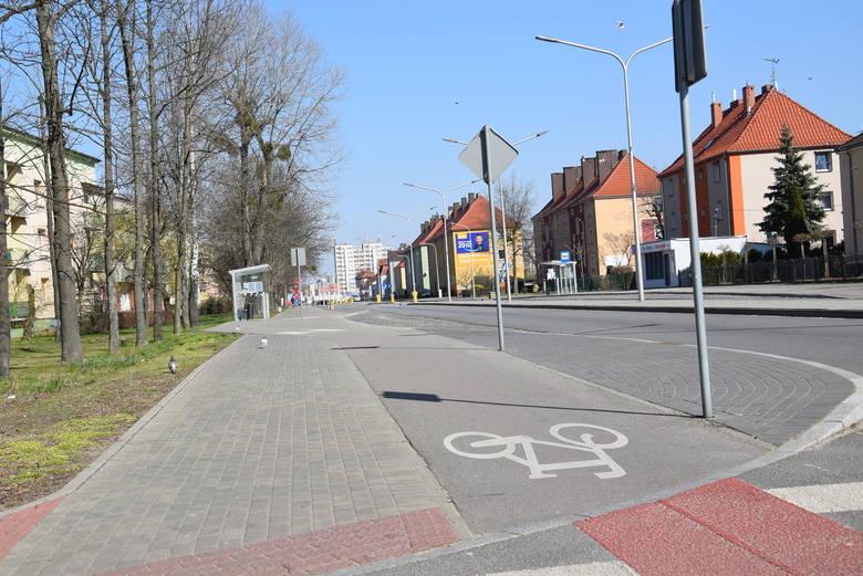 Wyludniony Kędzierzyn-Koźle. Zobacz, jak wyglądały ulice miasta w pierwszy dzień po wprowadzeniu zakazu przemieszczania się