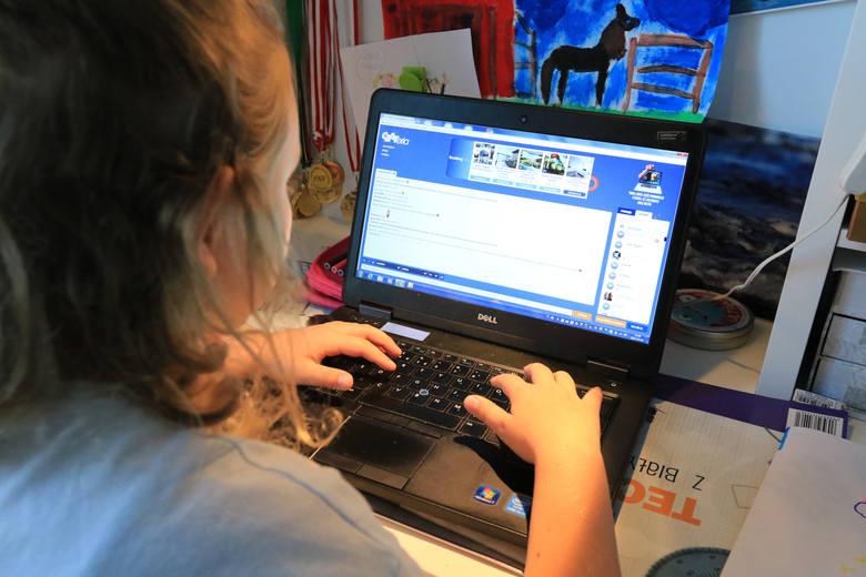 Zjawisko uwodzenia nieletnich w Internecie gwałtownie rośnie.  Dewianci podszywają się pod dzieci i w ten sposób nawiązują kontakty ze swoimi ofiarami.