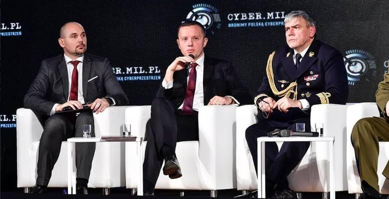 Wojsko Obrony Cyberprzestrzeni. Polska cyberarmia szykuje klawiatury! Cyberwojsko oficjalnie rozpoczyna swoją działalność