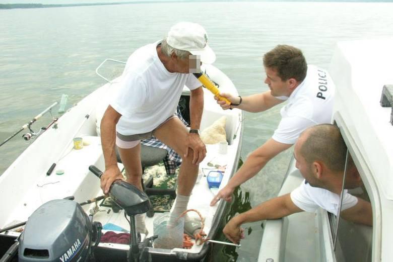 Policjanci z Turawy będą między innymi sprawdzali trzeźwość motorowodniaków i żeglarzy pływających po jeziorach.