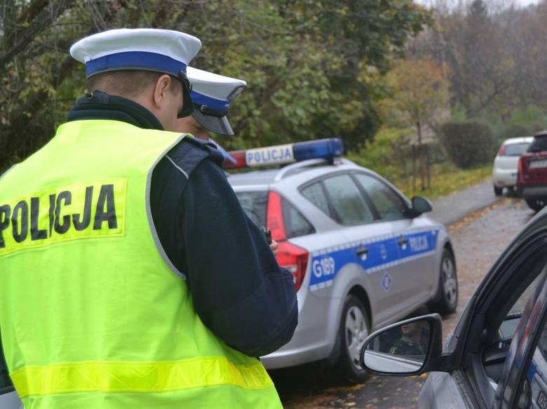 Kontrole na drogach w powiecie krakowskim. Niemal 100 nieprawidłowości i ponad 70 mandatów