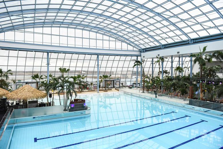 Park wodny Suntago na terenie Park of Poland to 32 zjeżdżalnie o łącznej długości ponad 3 kilometrów, baseny o powierzchni 3500 m2 i trzy strefy tematyczne.
