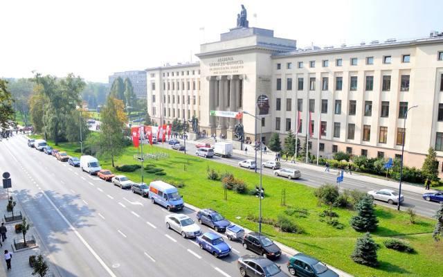 Kraków niestety ma mocne miejsce w pierwszej dziesiątce.