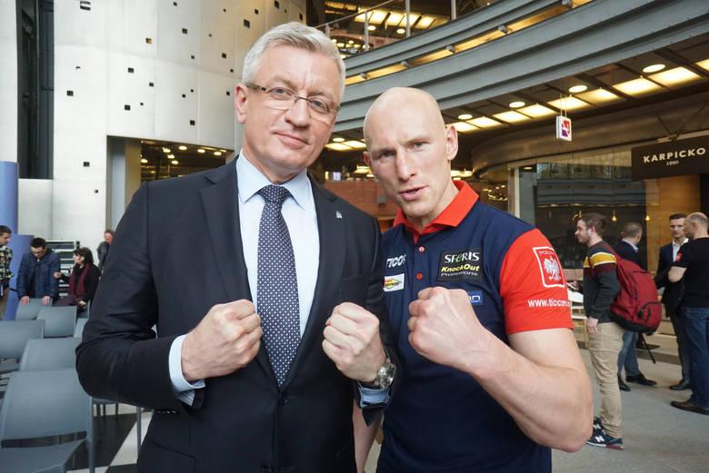 """W sobotę w poznańskiej Arenie Krzysztof """"Diablo"""" Włodarczyk stoczy swoją 57. walkę na ringu zawodowym"""
