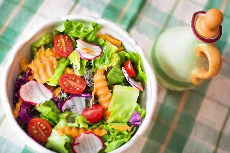 Na diecie dr Dąrowskiej wszystkie warzywa są dozwolone w dowolnych ilościach, ważna jest tylko ich różnorodność.