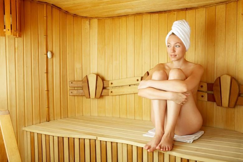 Popularnym elementem oferty ośrodków SPA, gabinetów kosmetycznych czy centrów sportowych są sauny. Najczęściej to sauna fińska, gdzie powietrze ma stosunkowo