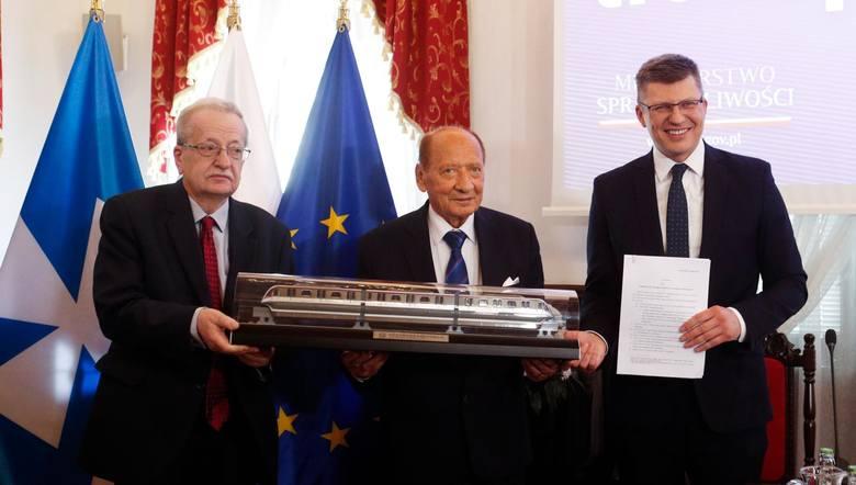 Kolejka nadziemna bliżej Rzeszowa. Marcin Warchoł, wiceminister sprawiedliwości, zapowiedział zmianę w ustawie o transporcie kolejowym
