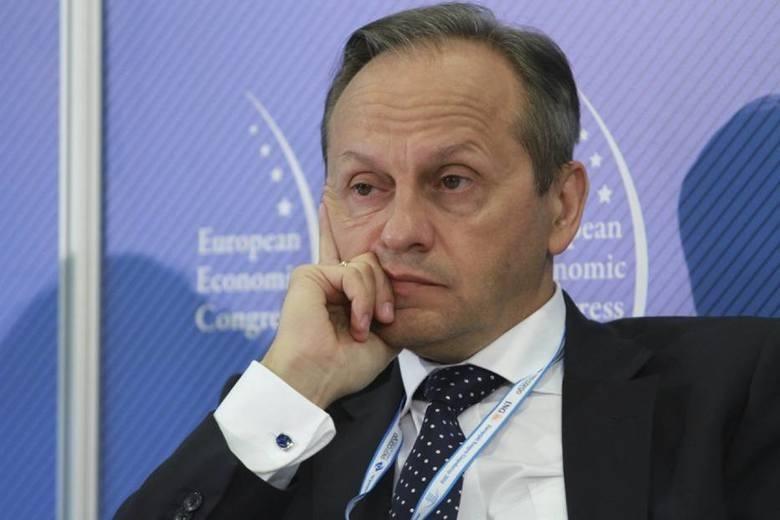 Zbigniew Juroszek z rodziną - 1,3 mld dolarówWłaściciel Grupy Atal z Cieszyna. Jest również twórcą firmy bukmacherskiej Star-Typ Sport (na jej czele