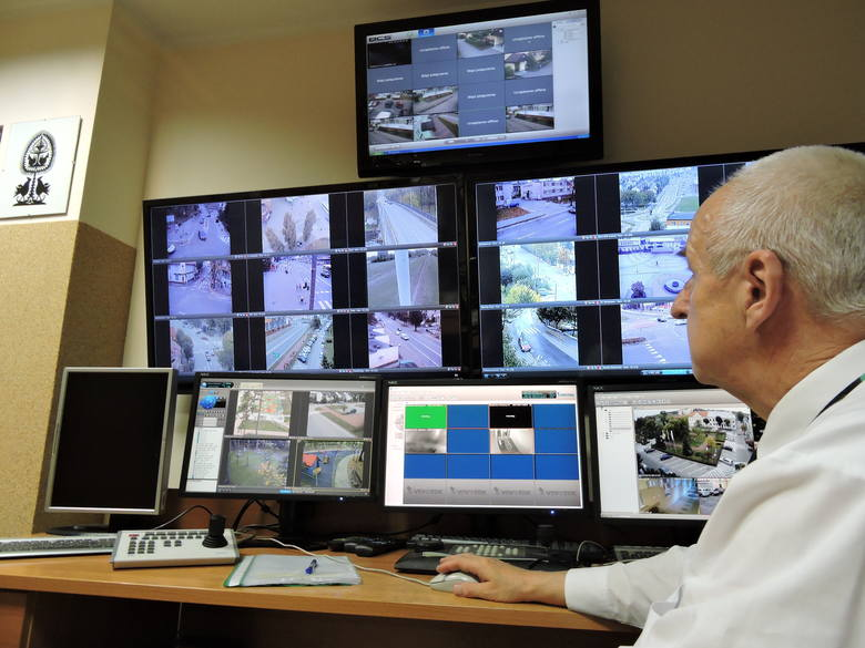Co widać na kamerach monitoringu w Ostrołęce?