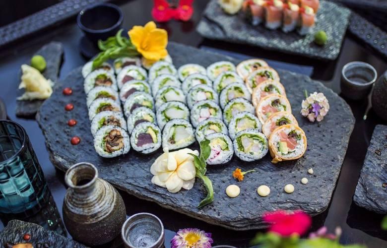 pl. Władysława Andersa 5, Poznań+48 888 999 777Kuchnia: japońska, sushi, azjatycka, miejsce przyjazne dla wegetarian, opcje dla wegan, posiłki bezglutenowe.Zdaniem