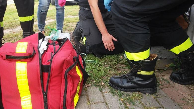 Strażacy udzielali także pierwszej pomocy mężczyźnie, który zasłabł na festynie.