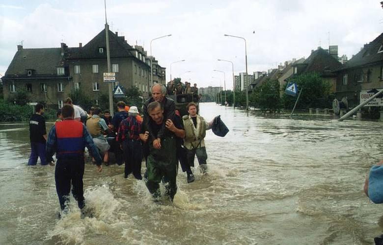 Powódź 1997 w Opolu. (Tadeusz Kwaśniewski)