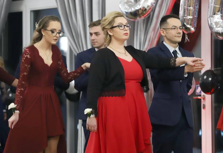 Studniówka 2019. Studniówka Zespołu Szkół Rzemieślniczych w Łodzi [zdjęcia]
