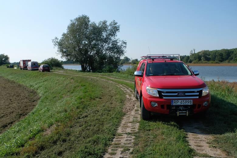 Do tragedii doszło we wtorek w Starzawie Rybnej (gm. Stubno) w powiecie przemyskim.- Mężczyznę z wody wyciągnął jeden z pracowników gospodarstwa rybackiego.