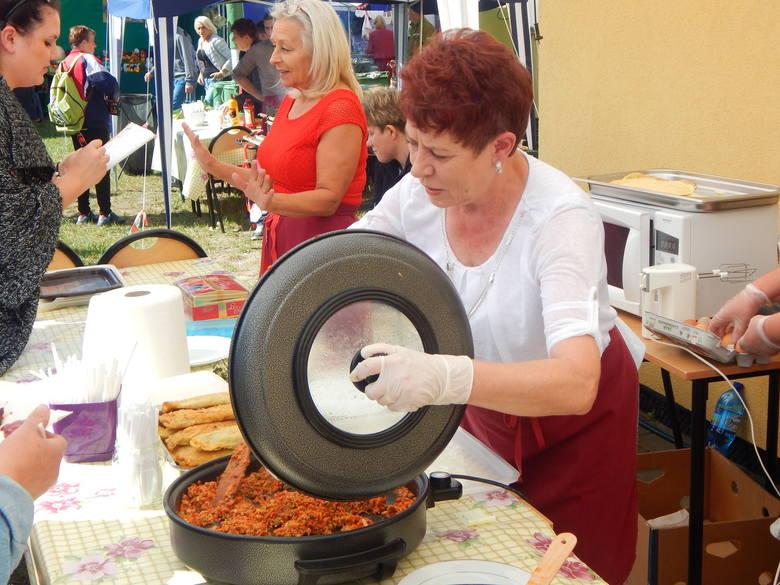 Kolejki do naleśników podczas święta w Połupinie (zdjęcia)