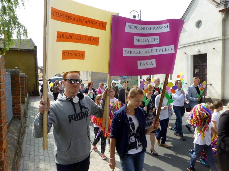 Z transparentami przemaszerowano ulicami miasta
