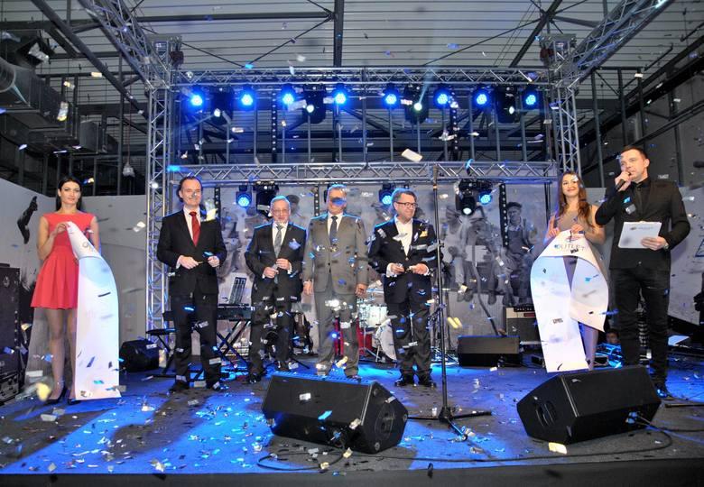 Outlet przy Mełgiewskiej otworzył się dla VIP-ów. W środę zaprasza już wszystkich (ZDJĘCIA, WIDEO)