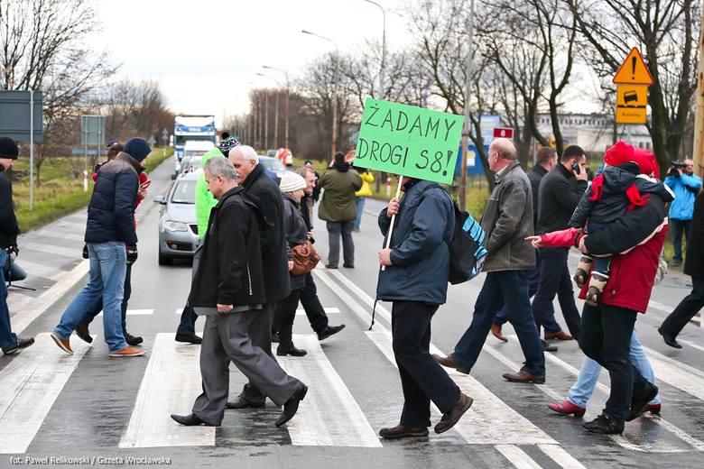 Wielka blokada drogi nr 8 na Dolnym Śląsku [FILM I ZDJĘCIA]