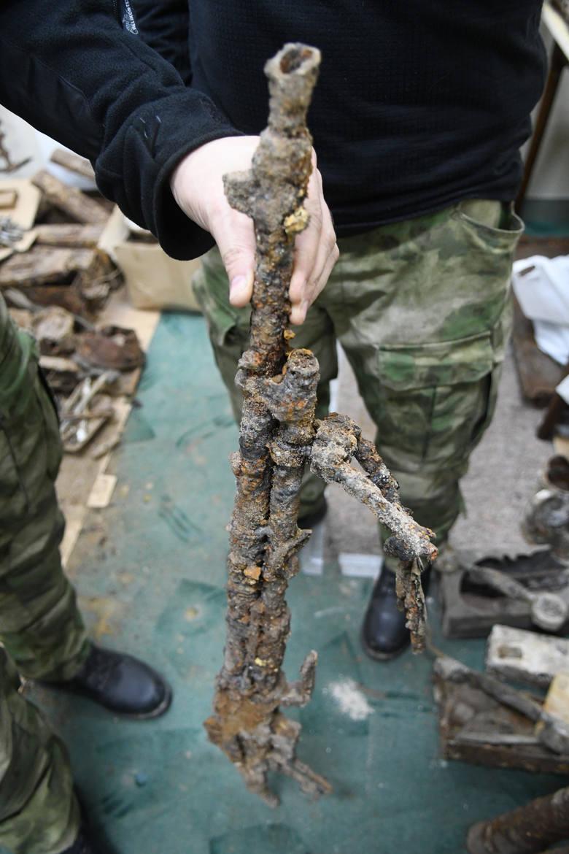 Polski karabin Browning wz. 28 został znaleziony w jednej z piwnic na terenie Starego Miasta w Kostrzynie nad Odrą.