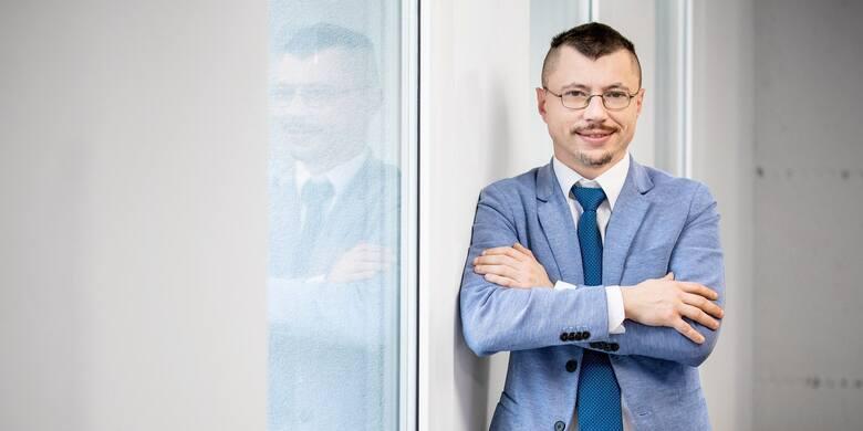 - Wzrost paliw, więcej pieniądza na rynku, ale również zwykła spekulacja jest powodem wzrostu cen uważa dr. Kopyściński