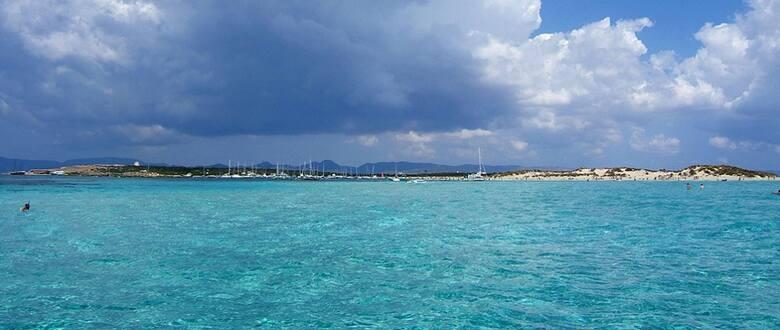 Ses Illetes na Formenterze – choć dotarcie tutaj wymaga pewnego wysiłki, to jednak natura wynagrodzi nam ten trud!
