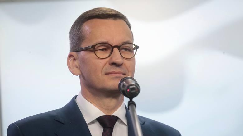 Koronawirus w Polsce. Premier Mateusz Morawiecki apeluje [WIDEO]: zostańmy w te święta w domu z najbliższą rodziną, z którą mieszkamy