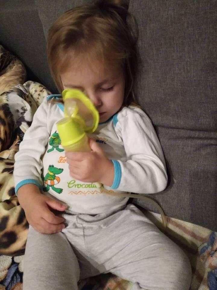 W wieku 2 miesięcy ważyła 2,600 kg, a test genetyczny,  potwierdził, że jest to najgorsza z mutacji mukowiscydozy (f508, dele 2,3)