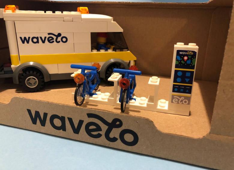 Zestaw LEGO rowerowe Wavelo stacja samochód