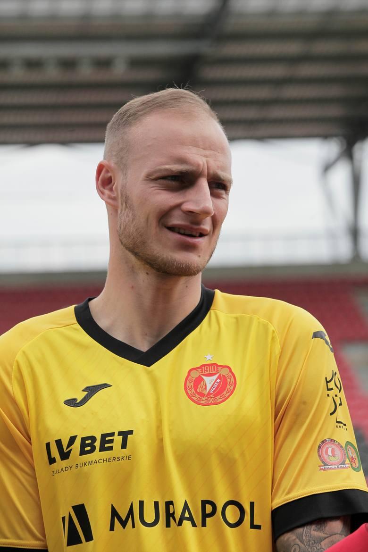 Wojciech Pawłowski - bardzo dobra interwencja nogami przy strzale w sytuacji sam na sam z Filipem Kozłowskim. Bramkarzowi dopisuje też szczęście, gdy